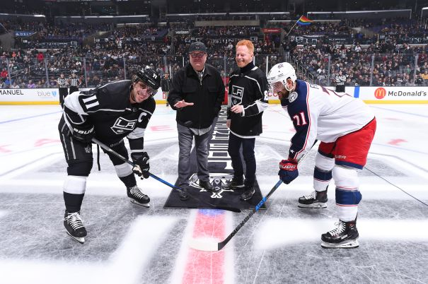 Eric Stonestreet And Jessie Tyler Ferguson Drop The Puck In L.A.