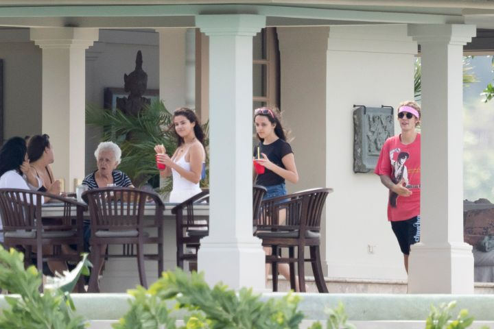 The on-off couple kicked back at a private hillside villa where Justin's dad Jeremy tied the knot with his long time girlfriend Chelsey Rebelo.Photo: Splash