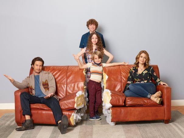 'Splitting Up Together' - series premiere