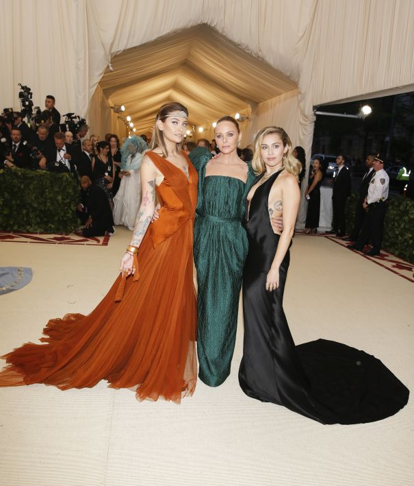 Paris Jackson, Stella McCartney, Miley Cyrus
