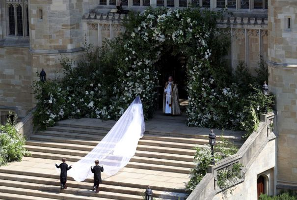 Meghan Markle Makes Her Way Into The Chapel