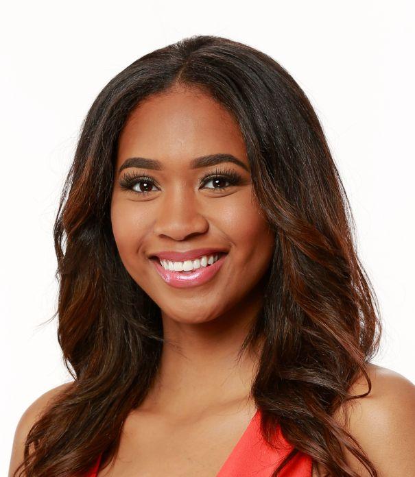 Bayleigh Dayton (25)