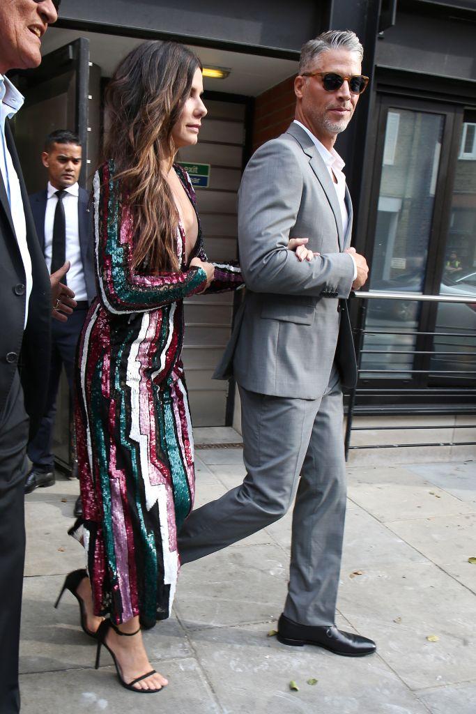 "Sandra Bullock seen leaving her hotel with her boyfriend Bryan Randall ahead of the ""Ocean's 8"" premiere on June 13, 2018 in London. Photo: Getty"
