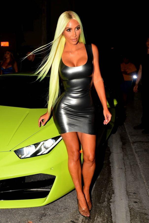 Kim Kardashian Matches Her Hair To Her Lamborghini