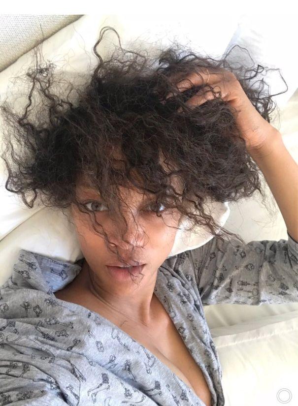 Tyra Banks Goes Au Naturel
