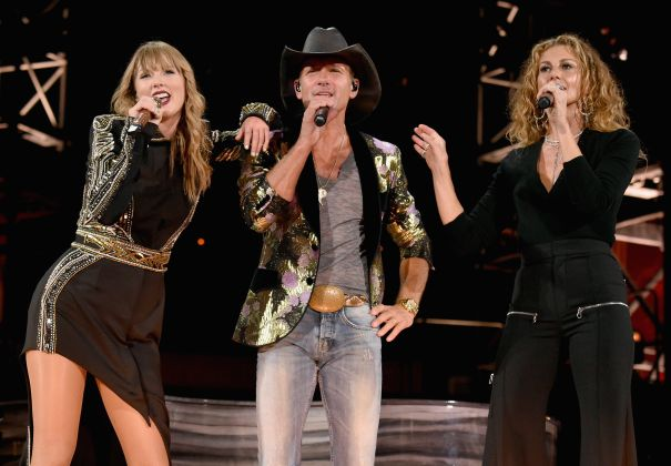 Taylor Swift Hits The Stage With Tim McGraw And Faith Hill