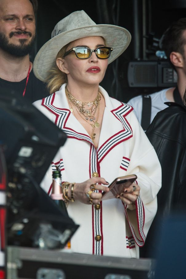 Madonna To Present Coveted Award