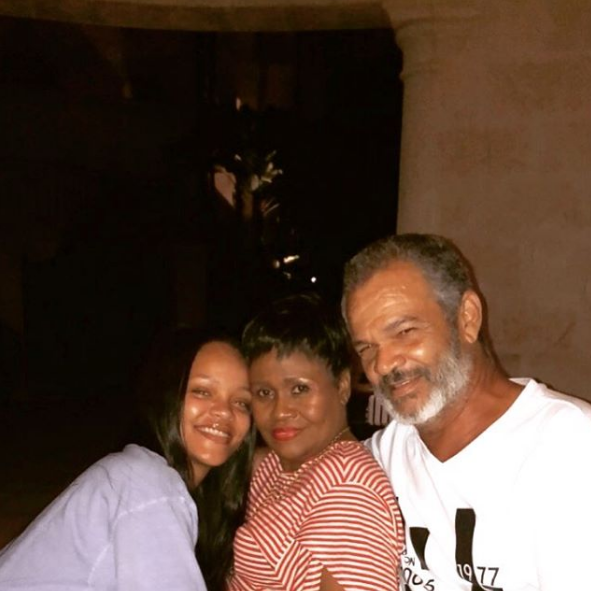 Riri Posts A Pic With Her Fam