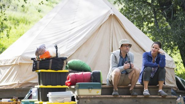 'Camping' - series premiere