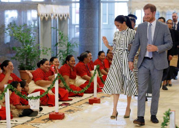 Prince Harry, Meghan Markle Meet Tonga's Prime Minister