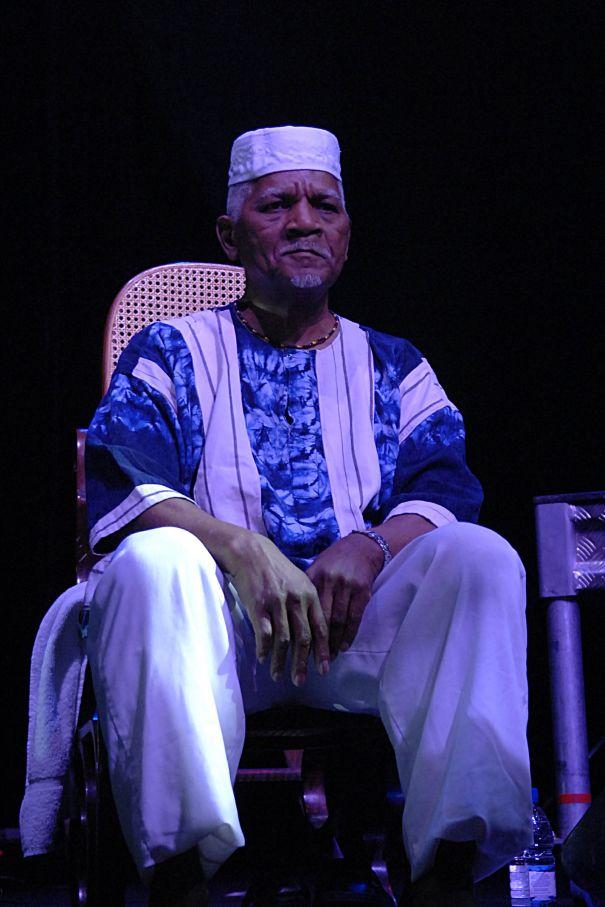 'Arrested Development' Star Elder Baba Oje Dead At 87