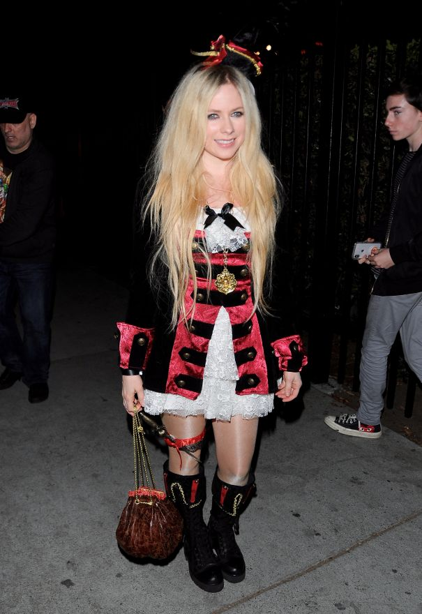 Avril Lavigne Is A Punky Pirate