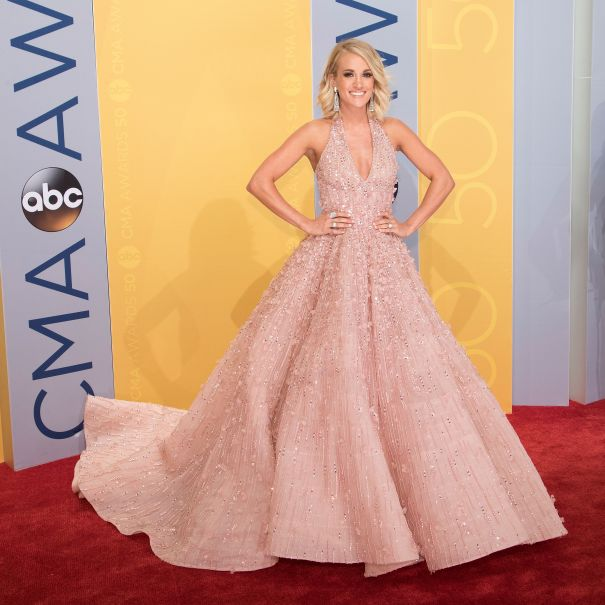 2016: Carrie Goes Big On The Red Carpet