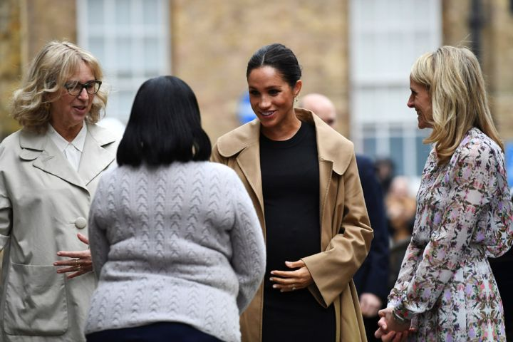 Meghan, Duchess of Sussex visits Smart Works and is greeted by Chair of Smart Works Lady Juliet Hughes-Hallett and CEO of Smart Works Kate Stephens/Photo by Clodagh Kilcoyne – WPA Pool/Getty Images