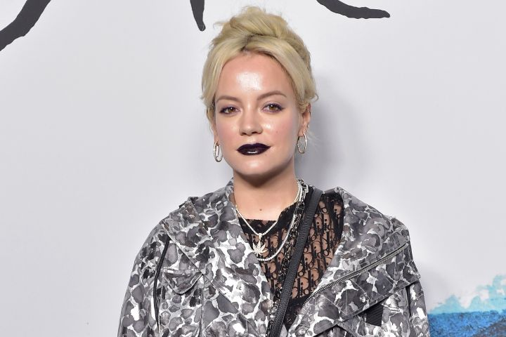 Singer Lily Allen attends the Dior Homme Menswear Fall/Winter 2019/2020 show at Paris Fashion Week.