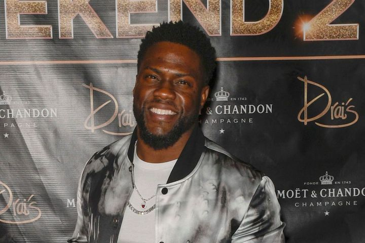 Mandatory Credit: Photo by MediaPunch/REX/Shutterstock (10043968f) Kevin Hart New Year's Eve Weekend at Drai's Nightclub, Las Vegas, USA - 31 Dec 2018