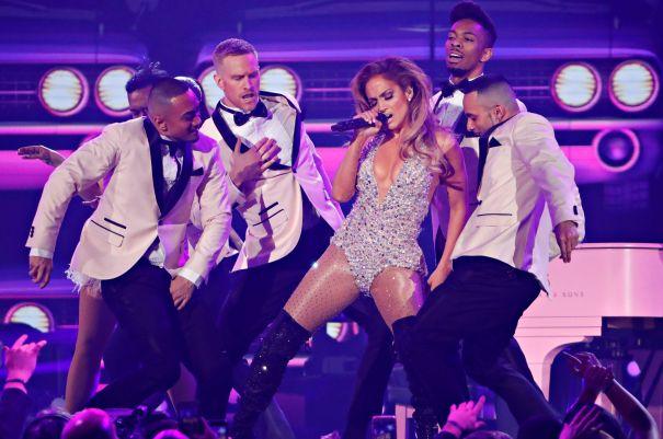Jennifer Lopez Lead Motown Tribute