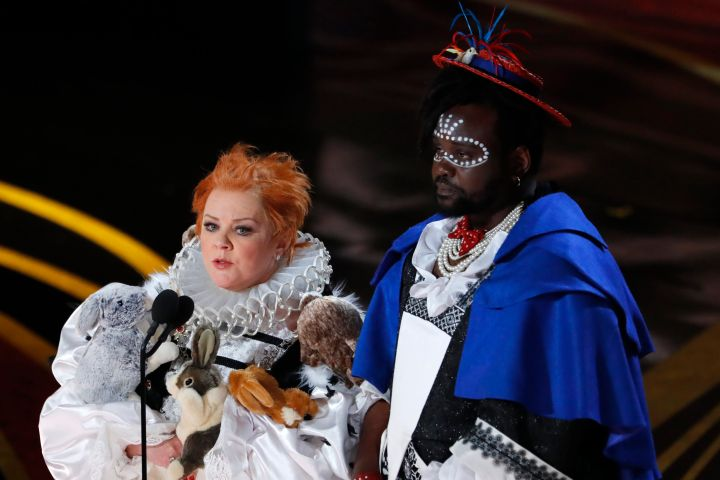 Melissa Mccarthy S Rabbit Dress Steals The Show While Presenting Best Costume Design To Black Panther Etcanada Com