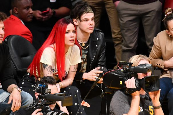 Halsey And Yungblud Loving The Lakers