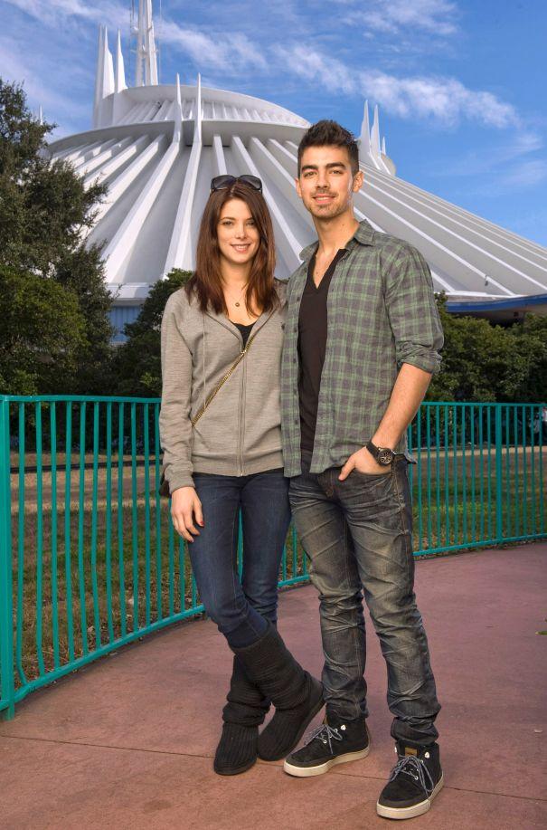 Joe Jonas & Ashley Greene