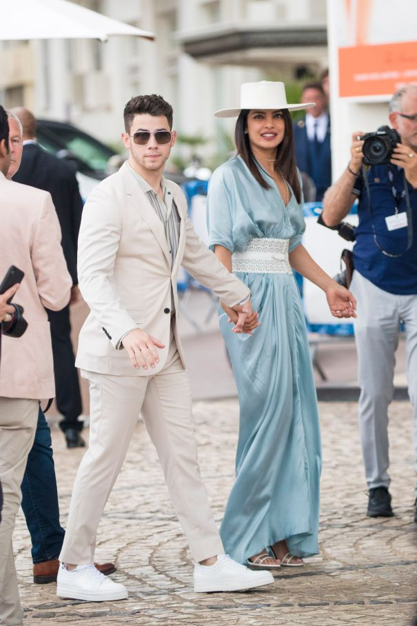 Priyanka And Nick Loved Up In Cannes