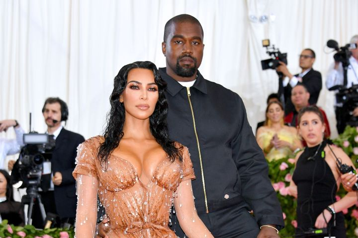 The Wests have arrived!  Kim Kardashian and hubby Kanye West pull out all the stops for the 2019 Met Gala. The mom-of-three (almost four) is channelling Sophia Loren in this Mugler number.