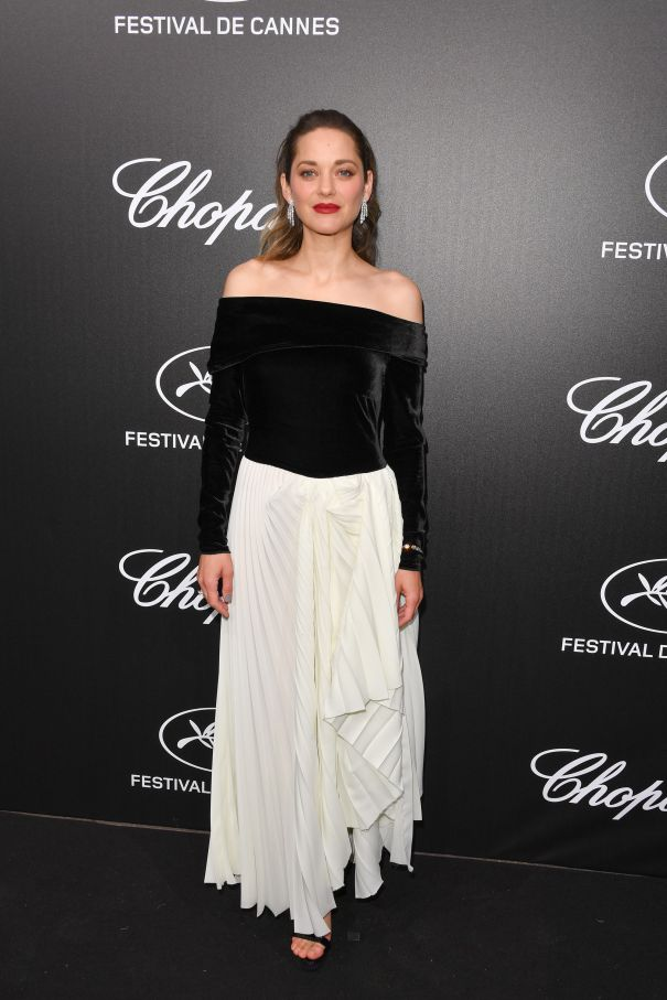Marion Cotillard Hits The Black Carpet At Cannes