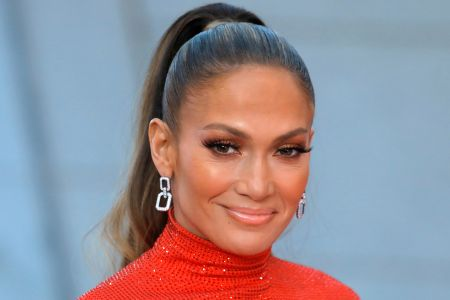 Jennifer Lopez Celebrates Gay High School Valedictorian I M Always Standing With You Etcanada Com