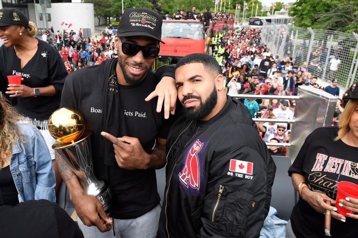 Kawhi Leonard, Drake. Photo: THE CANADIAN PRESS/Frank Gunn