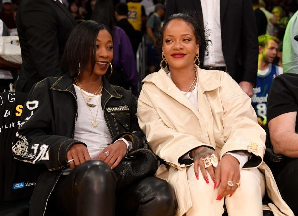 Rihanna Watches The Lakers