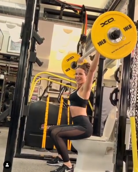 Kate Beckinsale Gets Cheeky At The Gym