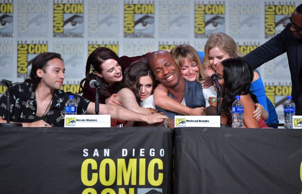 'Supergirl' Cast Feels The Love