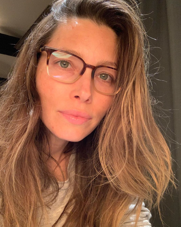 Jessica Biel Is Going Bare-Faced For A Good Cause