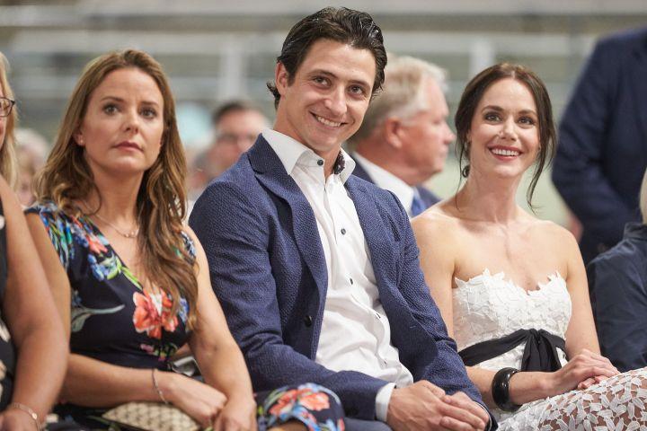 Jackie Mascarin, Scott Moir, Tessa Virtue (right to left). Photo: THE CANADIAN PRESS/ Geoff Robins