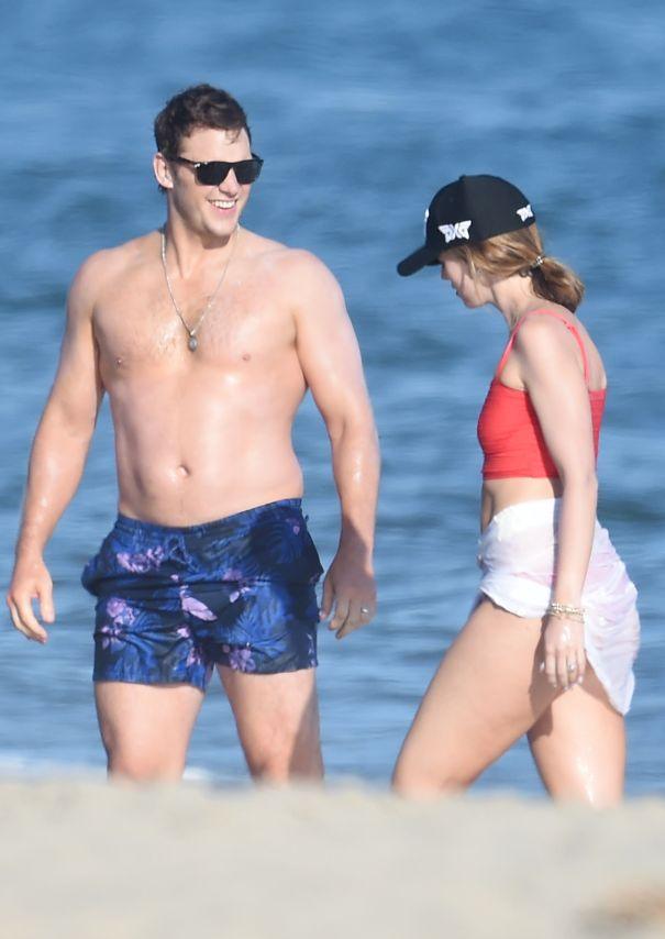 Chris Pratt And Katherine Schwarzenegger Enjoy A Day In The Sun