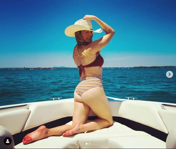 LeAnn Rimes Shows Off Her Figure