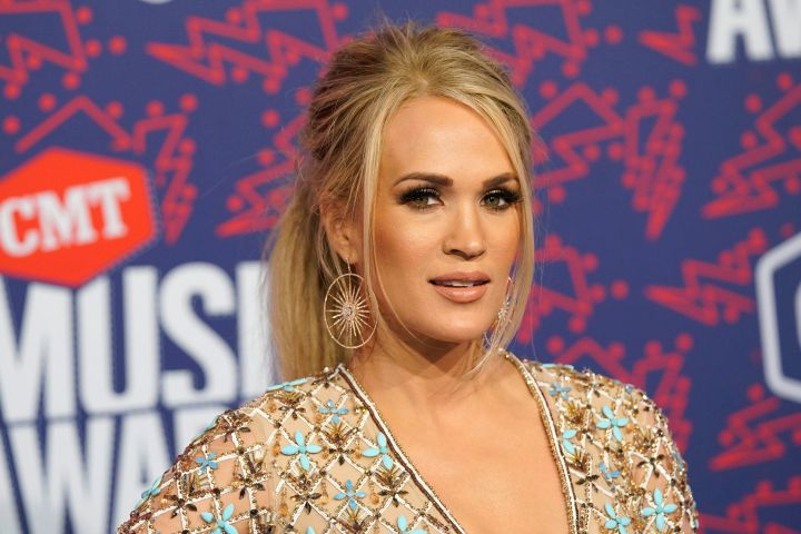 Carrie Underwood Celebrates 15th Anniversary Of Her First