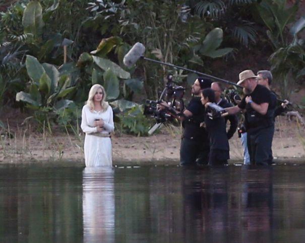Angelina Jolie Makes A Splash