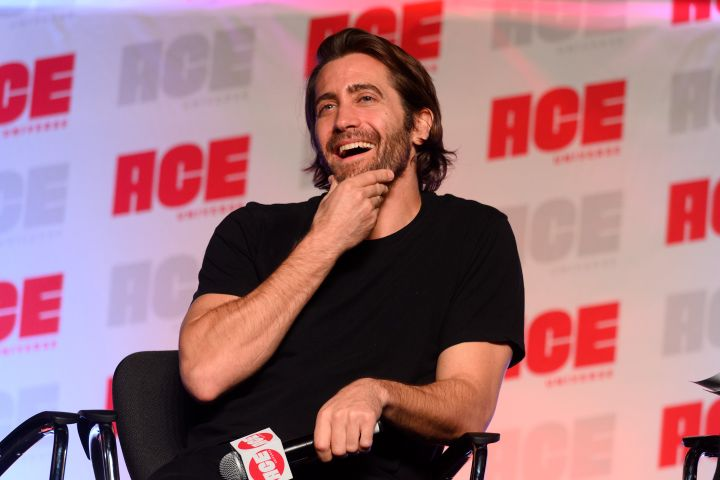 Jake Gyllenhaal attends ACE Comic Con Midwest on October 12, 2019 in Rosemont, Illinois.