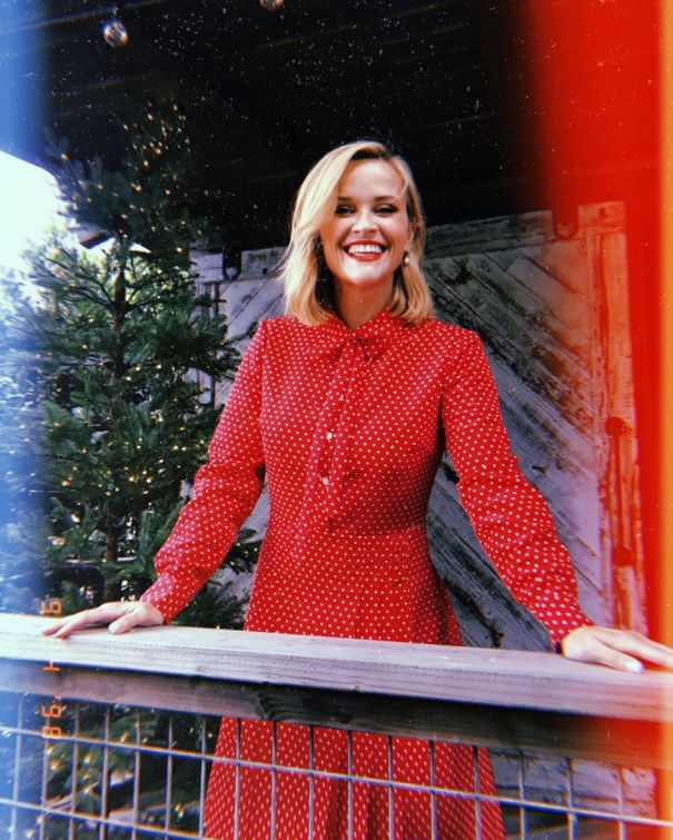 Reese Witherspoon Is Christmas Ready