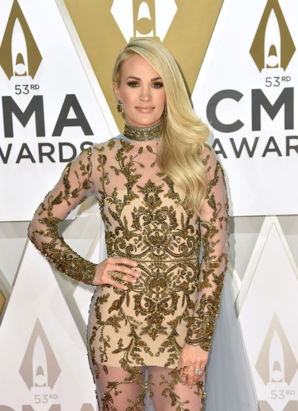 Carrie Underwood Joins The 2019 AMAs