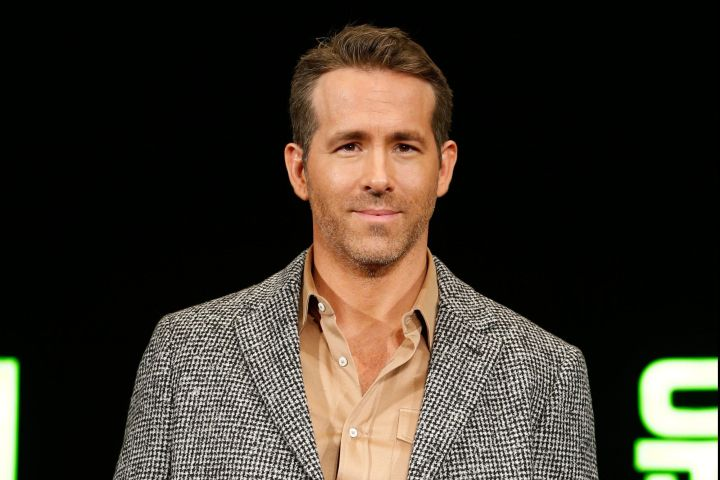 epa08038577 Canadian-American actor Ryan Reynolds  poses for a photo during a press conference for the premiere of the movie '6 Underground' at a hotel in Seoul, South Korea, 02 December 2019. The movie will open in South Korean theaters on 13 December 2019.  EPA/KIM HEE-CHUL
