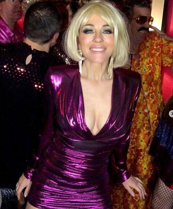Liz Hurley: Blonde Bombshell