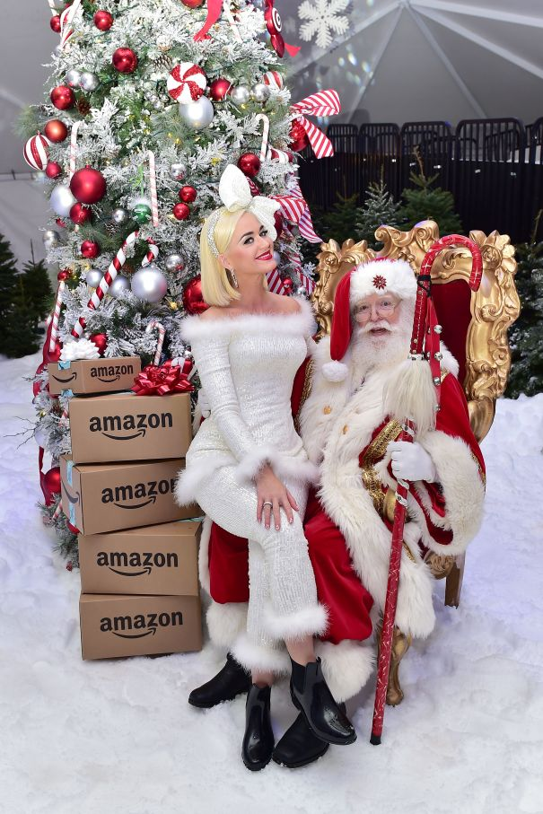 Katy Perry Cozies Up To Santa