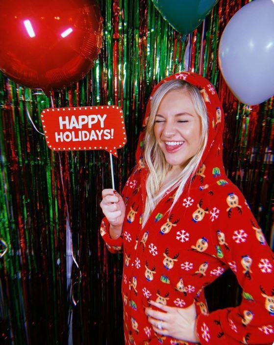 Kelsea Ballerini Gets Festive