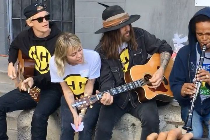 Cody Simpson, Miley Cyrus, Billy Ray Cyrus. Photo: Miley Cyrus/Instagram