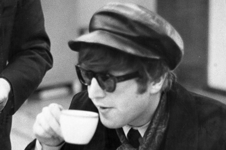 John Lennon S Sunglasses From The 1960s Fetch Over C 240k In Auction Etcanada Com