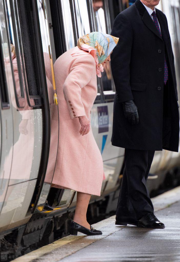 HRH Queen Elizabeth II arrives at King's Lynn station for her Christmas break at Sandringham. Credit: Splash News