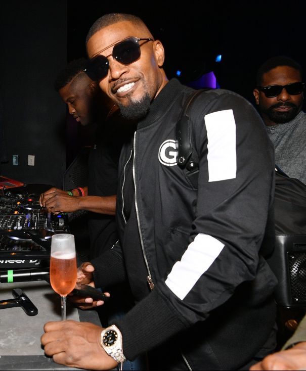 Jamie Foxx Dines Out