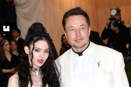 Grimes Reveals She And Elon Musk Are Expecting Their First Child With Nsfw Instagram Pic Etcanada Com